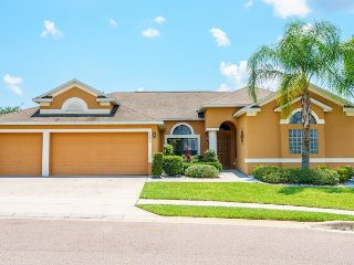 Viburnum Villa, Legacy Park, 5 bed pool home near Disney