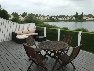 Waterside Lodge, Windrush Lake, Cotswolds, South Cerney