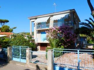 Casa Fiora - 10 posti letto, 50 metri dal mare