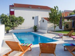 Leonarda - luxury & private pool