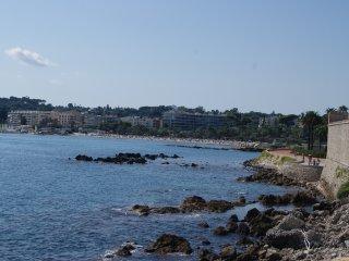 Centre Antibes, proche plage, Beau 3 pièces  5 pax