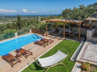 Villa Clairy 3-Schlafzimmer-Villa mit eigenem Pool, Mouzaki