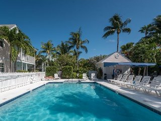 Shipyard Hideaway - Secluded Island Getaway! Enjoy Pool Access & Pvt Parking, Key West