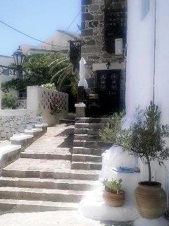 facade & front entrance