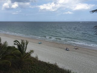 Beach Getaway! - Ocean View Studio Condo