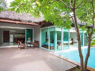 Cozy resort villa at Chaweng beach, Koh Samui