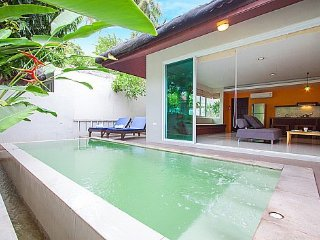 Modern chic 2 bed villa near beach