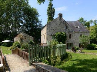 Charme, Nature et Spa au bord de la rivière, Carcagny