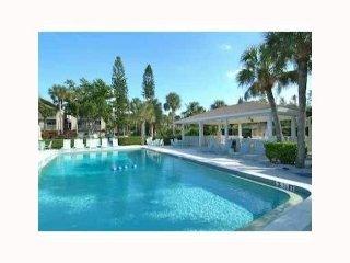 Luxury Penthouse Steps From Siesta Key