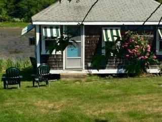 Family Paradise on Peaceful Cove. Private Island