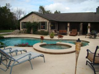 4 BR / 2 BA Gated Equestrian Home With Pool & Spa, Christmas