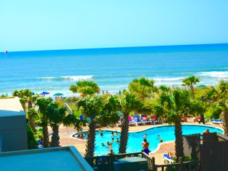 Beautiful Ocean View Resort located on the Beach, Myrtle Beach