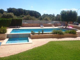 Apartamento con vistas a la piscina comunitaria, Cala Pi