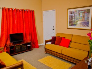 Sunny 2 Bedroom Apartment, Caroni