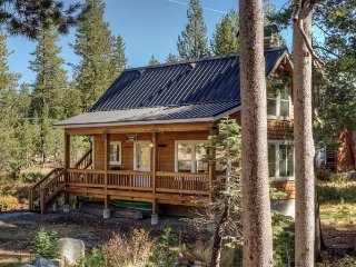 Secluded Serene Lakes Cottage, Soda Springs