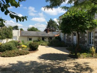 La Boissotiere,Gite in CERSAY 2 bedrooms, 4 people, Argenton-l' Eglise