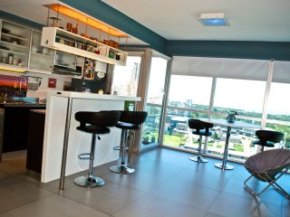 Luxury high rise, one bedroom, pool, 24 hr. sec., Buenos Aires