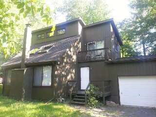 Nice Vacation Home in Pocono Mountains Close to Kalahari, Camelback, Casino etc, Tobyhanna