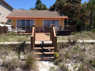 Gulf Front Pet Friendly Beach Home, Indian Rocks Beach
