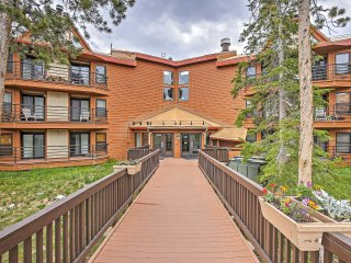 Alluring 2BR Silverthorne Condo w/Wifi, Mountain Views, Stone Fireplace, Community Pool, Sauna, Hot Tub & Much More!