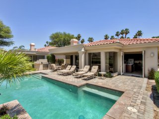 New Listing! Magnificent 3BR La Quinta House w/Wifi, Golf Course & Mountain Views, Private Pool, Spa & Outdoor Grill!