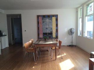 ruime begane grond appartement, Ámsterdam
