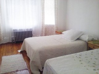 Spacious 2 Bedroom Apartment, West New York