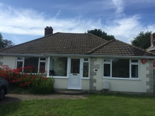 4 Bedroom Bungalow just 5 mins walk from the sea!, Lymington