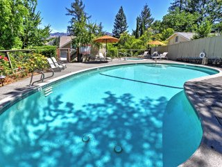 Magnificent 7BR Calistoga House w/Wifi, Private Heated Pool, Hot Tub & Grill - Close Proximity to Napa Valley Wineries, Tours & Tastings!