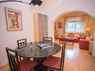 Lovely apartment in Gracia and Park Güell, Barcelona