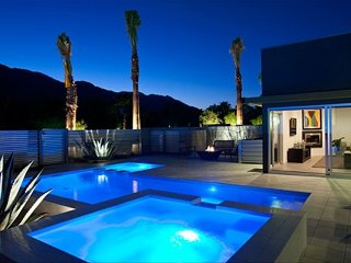 Palm Springs Newest Modern Pool Villa