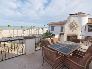Beach Front villa 77-3