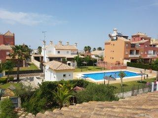 Estupenda casa en campo de golf. Registrada en Junta de Andalucia