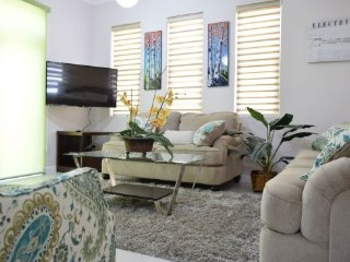 Jamaica Vacation Rentals – Chic Contemporary City Studio