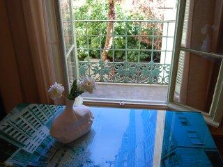 One bedroom apartment in the corner of Negresco, Nice