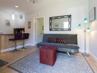 Cozy Private 1 Bd 1 Ba Cottage in Wilton Manors FL