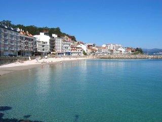 Apartamentos para 4/6 personas con piscina y vistas al mar. A 300 m. de la playa