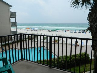 Beach Front! Pelican Walk - Best Value!