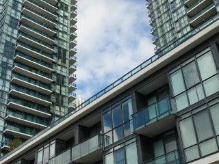 Luxury Furnished Apartment - 1 Bedroom, Mississauga