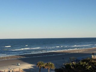 Outstanding 2/2 Condo on the Beach - PeckPlaza 6SW, Daytona Beach