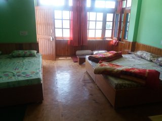 sharda house. Home stay type. Near manu temple ., Manali