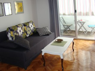 5 min WALK to CENTER, lovely & quiet apartment, Split