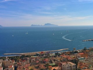 Lovely and Charming Apartment on Vomero Hill, Naples