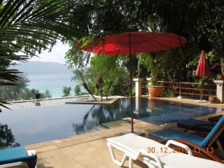 Kata Apartments by Kata Noi Beach with Swimming Pool and housekeepr service