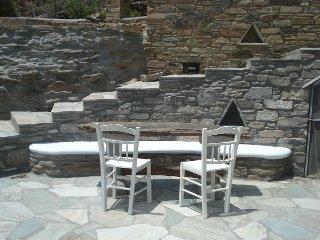 Charming Tinos villa & studio