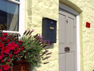 Traditional Welsh Beacons Cottage in Village, Sennybridge