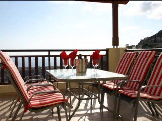 C22 beautiful 2 bedroom apartment with sea views, Peyia