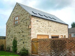 CARTHORPE BARN HOLIDAY APARTMENT, romantic retreat, private patio, WiFi, en-suite, in Carthorpe, Masham, Ref 932413, Bedale