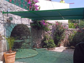 Stone house with private garden, 4+2 people, Crikvenica