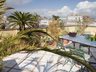 Appartement avec terrasse - centre de Naples NA, Nápoles